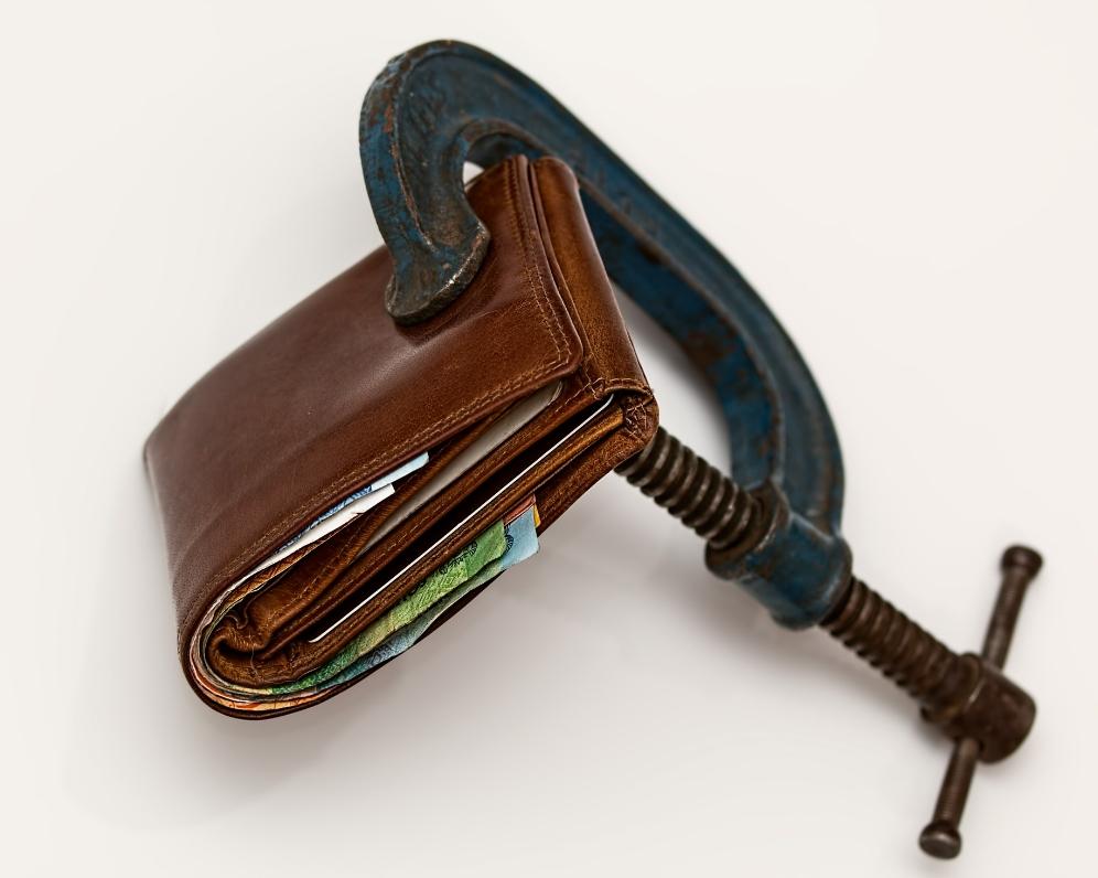 Nová 8-percentná daň z poistenia: Kto ju bude platiť?